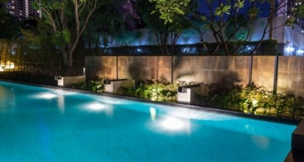 Solar Powered Pool Lights